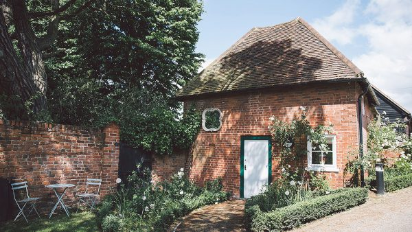Stay overnight in the charming and romantic honeymoon cottage - wedding venues in Essex