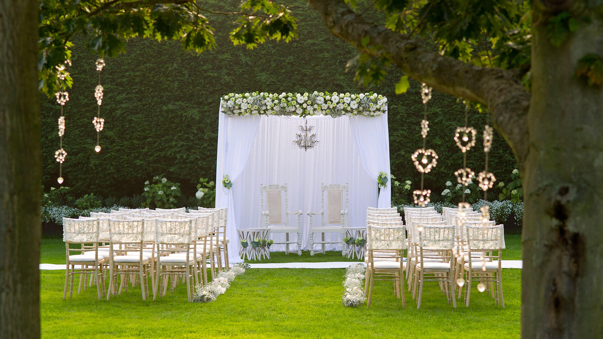 Outdoor Wedding Ceremony: Outdoor Wedding Venue In Epping, Essex
